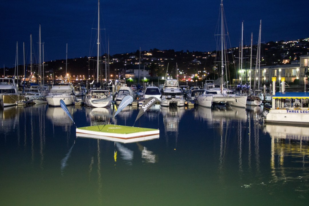 2014-12-19-2 Knysna Waterfront in der Nacht-002