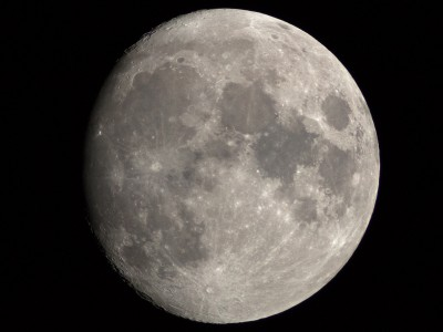 439Almost fullmoon with a telescope